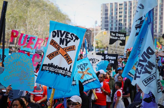 'Tide Is Turning': Cheers Erupt for NYC's Suit Against Fossil Fuel Giants and Divestment