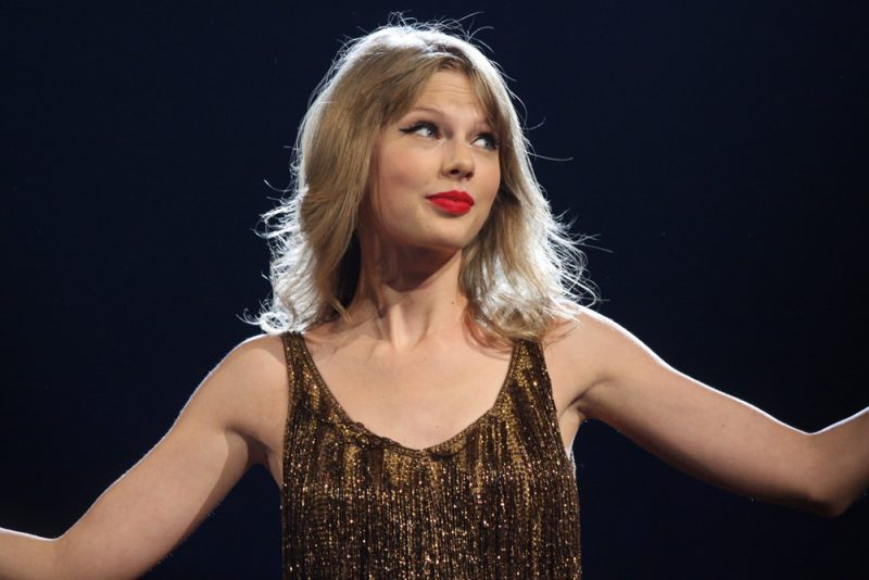 Taylor Swift Talks Online Bullying