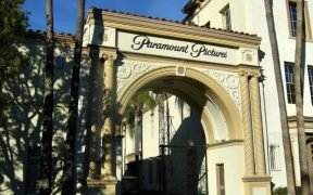 Immagine dell'ingresso alla Paramount Pictures di Hollywood.