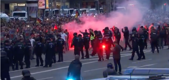 Photo of police at the Chemnitz protest.