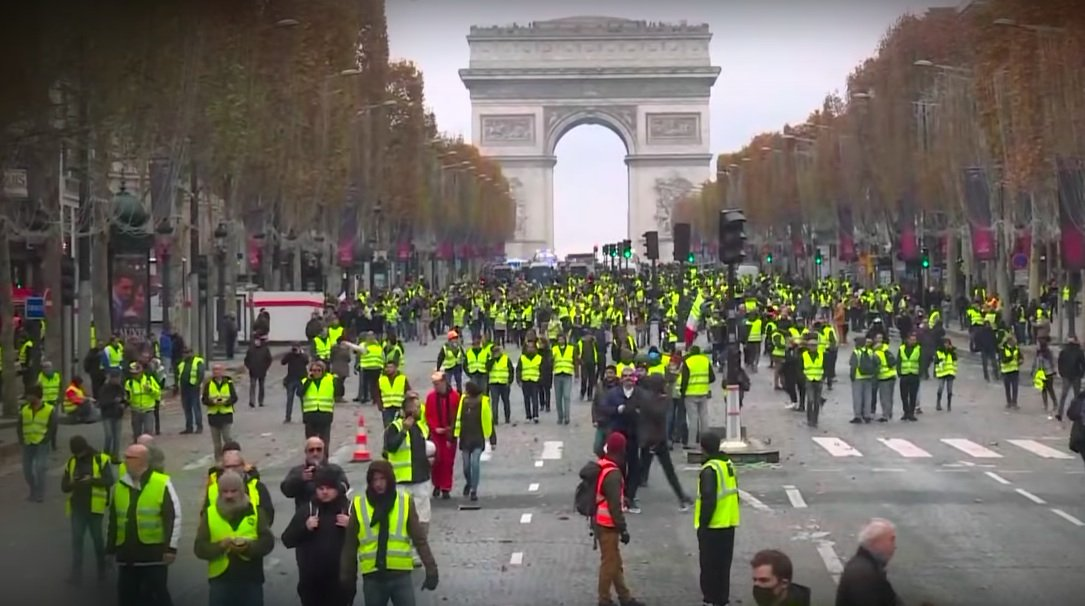 Holland Heats Up, Belgium Burns As French Yellow Vest Protests Spread Across Europe [VIDEO]