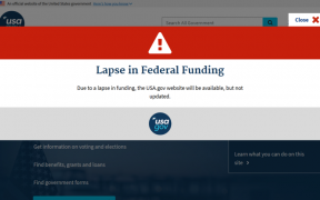 "screenshot do site USA.gov que diz ""lapso no financiamento federal"""