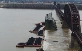 coal barges crashed into the Ohio River