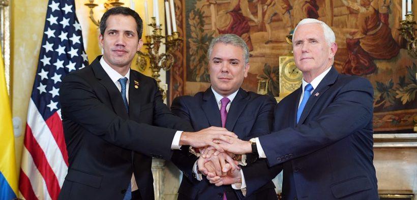 O vice-presidente Mike Pence, Juan Guaido da Venezuela, e o presidente Iván Duque Márquez da Colômbia, segunda-feira, fevereiro 25, 2019 (foto oficial da Casa Branca por D. Myles Cullen)