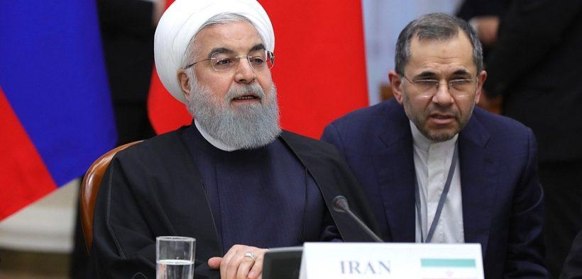 President van Iran Hassan Rouhani tijdens de trilaterale bijeenkomst van de staatshoofden, borgen voor het Astana-proces voor het faciliteren van de Syrische vredesregeling.
