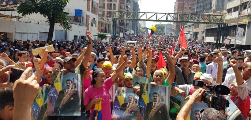 احتجاج لدعم الرئيس الفنزويلي نيكولاس مادورو. (الصورة: إرسال الشعوب)