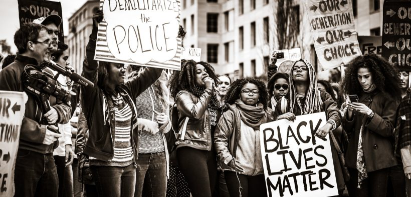 Demilitarisiere die Polizei, Black Lives Matter. November 10, 2015. (Johnny Silvercloud)