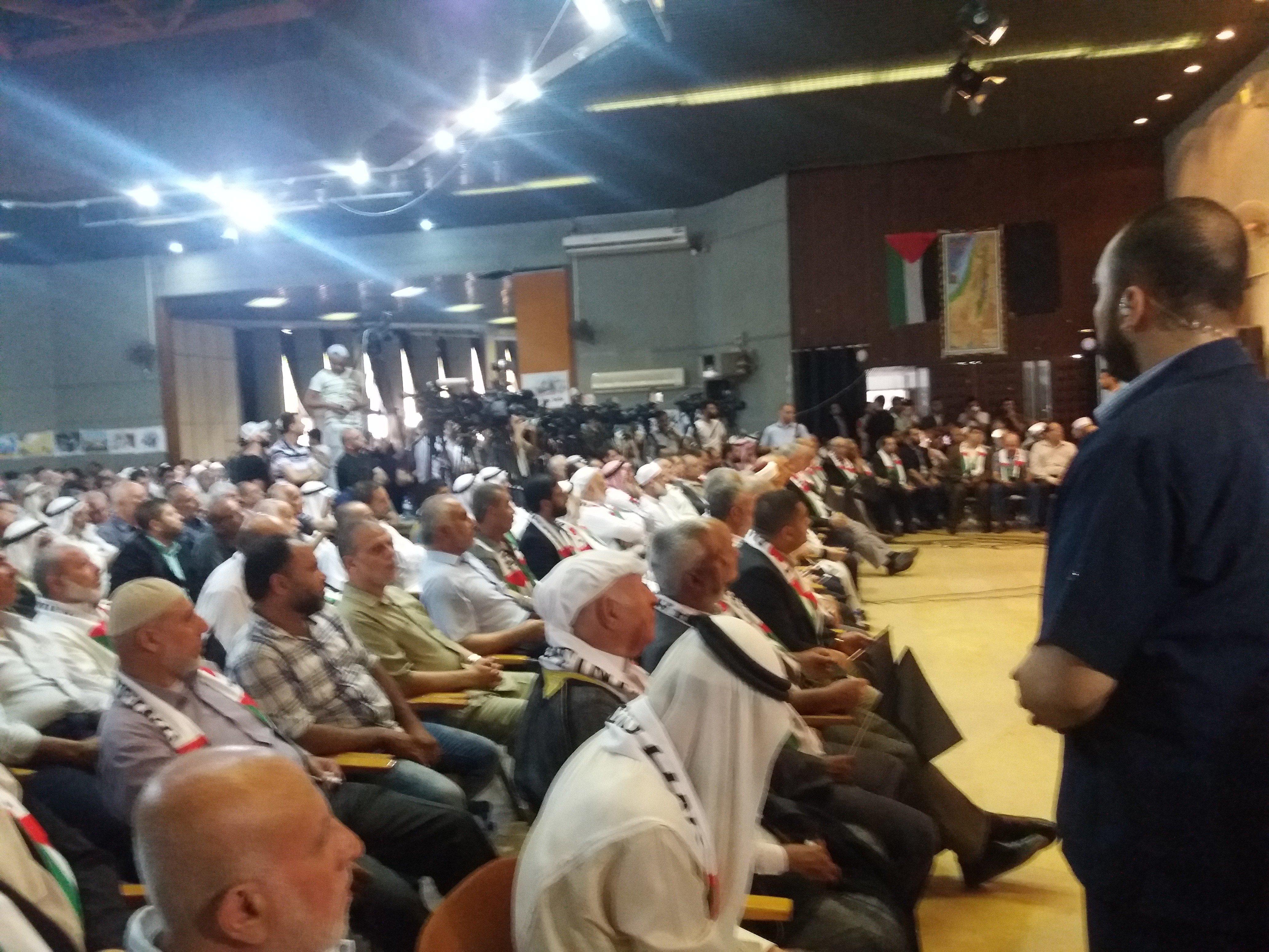 Teilnehmer der nationalen Volkskonferenz im Rashad Alshawa Cultural Center in Gaza City. Die Konferenz ist aus Protest gegen den Manama-Workshop. (Foto: Rami Almeghari)