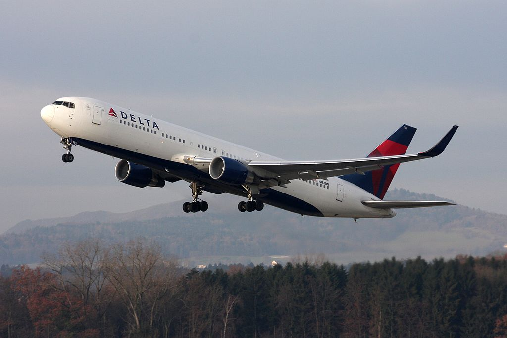 Delta Helps Children at No Cost After They Were Stranded by Rival Airline