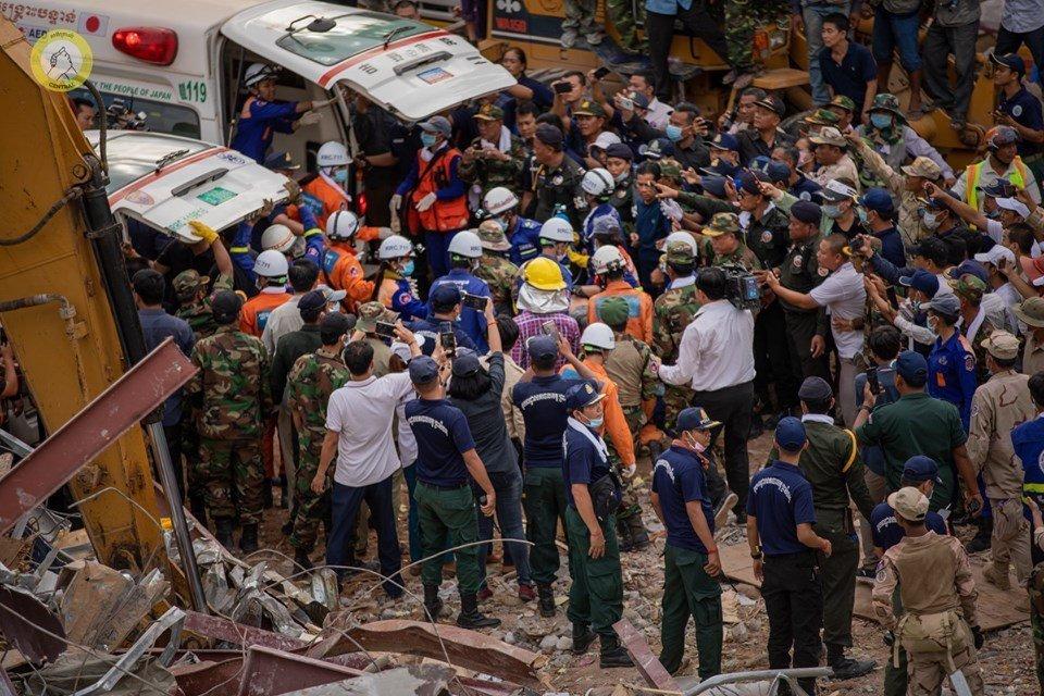 استمرت الاستجابة الطارئة لانهيار المبنى في سيهانوكفيل في يونيو لأكثر من ستين ساعة (تصوير سينترال).