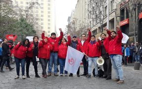 Members of SIL Sindicato Interempresa Líder Walmart striking in Chile. (Photo: SIL Facebook)