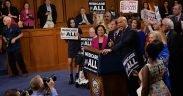 2020总统候选人Cory Booker在9月2017上发表关于全民医保的演讲。 (照片:参议院民主党人)