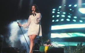 Lana del Rey in concert at Planeta Terra, November 2013.