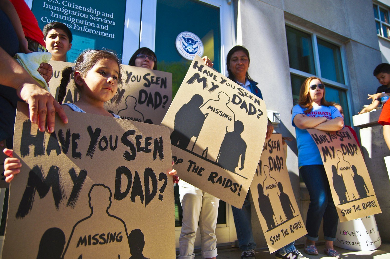 Torn Apart From Families, Almost 400 Remain in Detention After ICE Raids in Mississippi