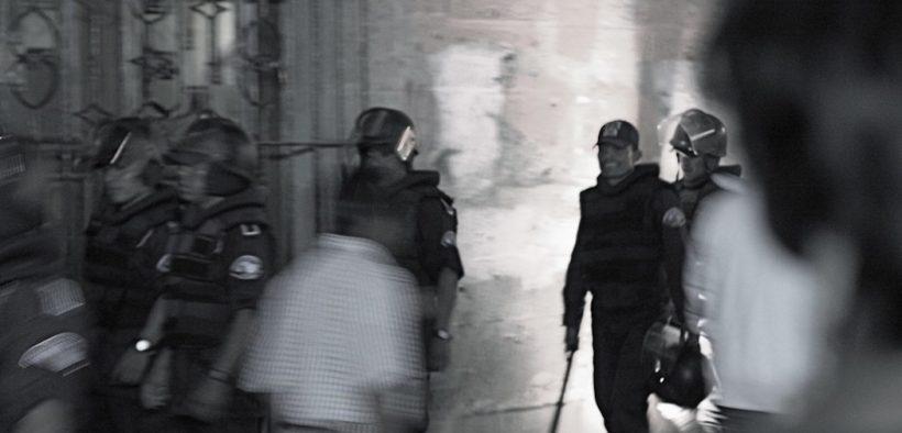 Police in Oaxaca Mexico, 2006. (Photo: Drew Leavy)