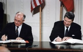 800px Reagan and Gorbachev signing