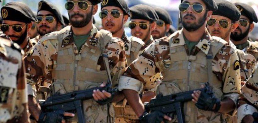 Iraans leger marcheert in parade, 2016.