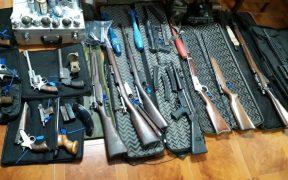 مخبأ للأسلحة التي استولت عليها وزارة الأمن الأرجنتينية يونيو 26 ، 2019. (الصورة: وزارة الأمن الأرجنتينية)