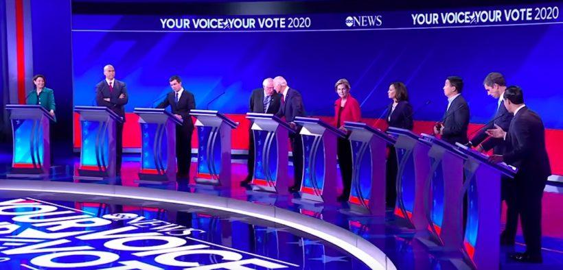 2020 पर डेमोक्रेटिक बहस के लिए 12 डेमोक्रेटिक उम्मीदवार टेक्सास के ह्यूस्टन में एकत्रित हुए। (फोटो: यूट्यूब)