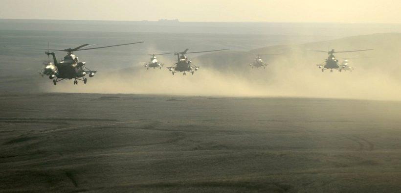 El comandante en jefe de las Fuerzas Armadas rusas, Vladimir Putin, observó la etapa final de los ejercicios militares del cuartel general estratégico Tsentr-2015 en el campo de pruebas de Donguzsky en la región de Orenburg.
