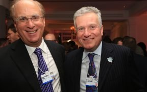 Larry Fink, CEO, BlackRock and Duncan Niederauer, CEO, NYSE at the Financial Ttimes CNBC Nightcap, Davos in 2014. (Photo: FT)