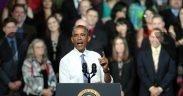 Der Präsident der Vereinigten Staaten, Barack Obama, spricht an der Central High School in Phoenix, Arizona, über den Sektor des Wiederaufbaus von Häusern.