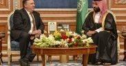 Staatssecretaris Michael R. Pompeo ontmoet op oktober 16, 2018 de Saoedische kroonprins Mohammed bin Salman in Riyad, Saoedi-Arabië.