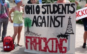 Anti-fracking protesters demonstrate outside the Ohio statehouse in Columbus as part of the Don't Frack Ohio rally on June 17, 2012. (Photo: ProgressOhio/Flickr)