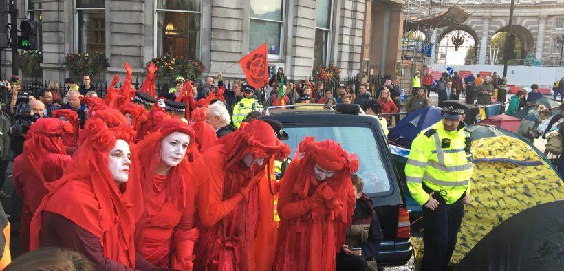 विलुप्त होने का विरोध, लंदन, ब्रिटेन। (फोटो: जेना मुलिगन)