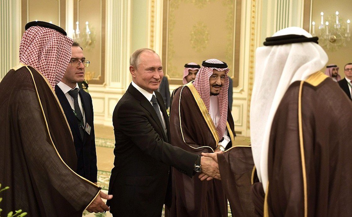Putin Chums it Up With Saudi Arabia in Historic Visit