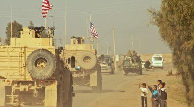 Un convoglio di soldati statunitensi in Siria durante la guerra siriana, dicembre, 2018.