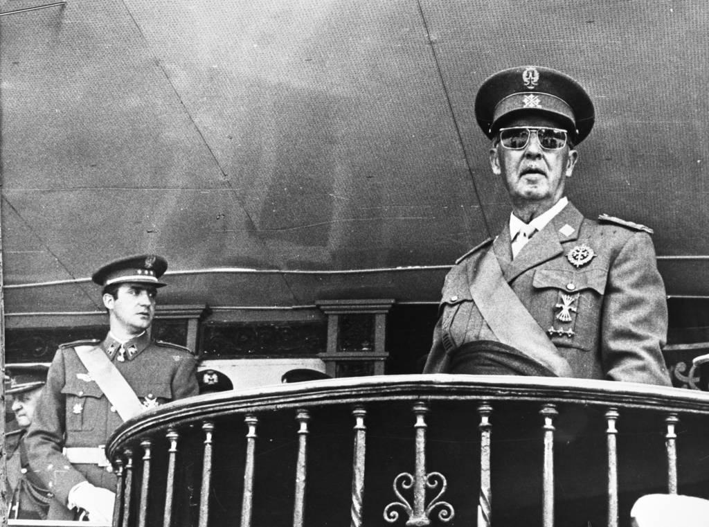 In Madrid is herdacht dat Franco 30 jaar geleden de burgeroorlog 1936 1939 w Bestanddeelnr 922 4913 cropped 1