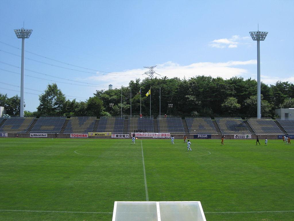 Youth soccer game, J-Village Stadium, Hirono, Fukushima. 9 August 2010. (Photo: Ohtani Yanya, Public domain)