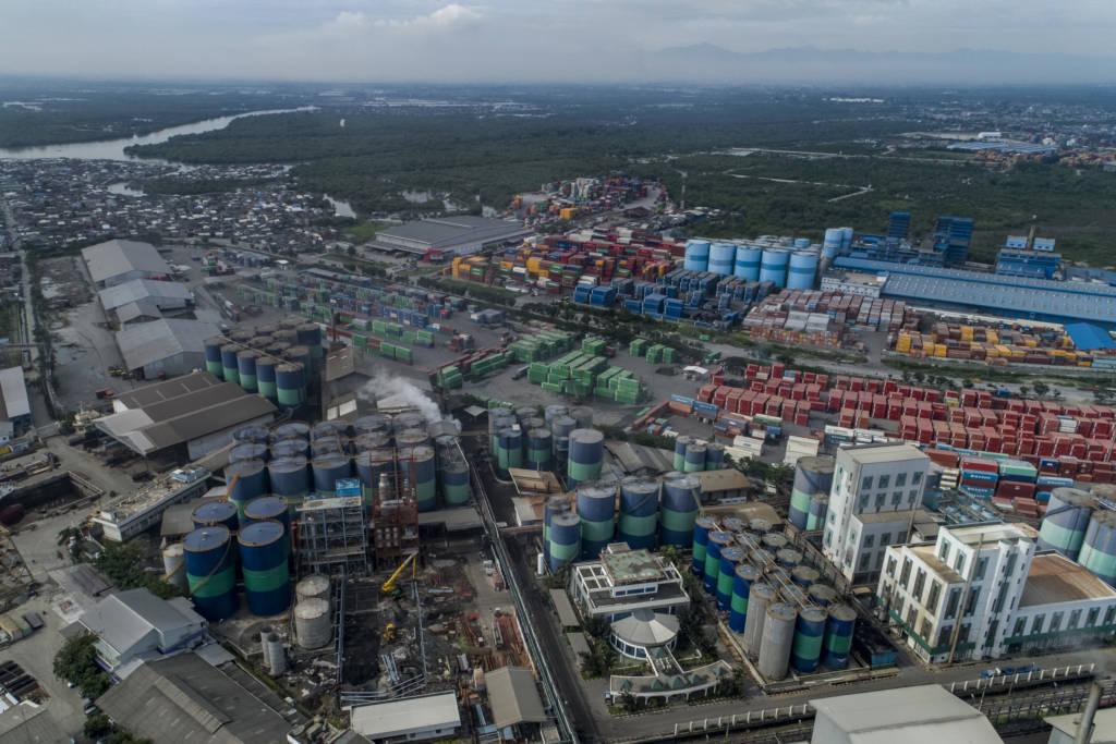 Musim Mas palm oil facility on the edge of the Leuser Ecosystem (Photo: Nanang Sujana)