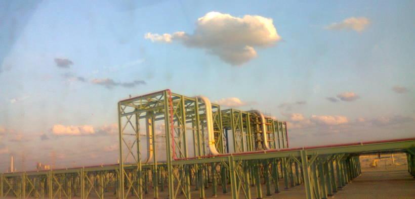 Saudi Aramco oil pipelines in Jubail, Saudi Arabia. (Photo: Suresh Babunair)