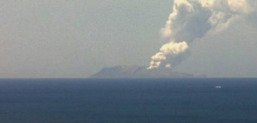 The sudden eruption at White Island was short-lived but produced an ash plume that rose several kilometres above the vent. GNZ Science, CC BY-ND