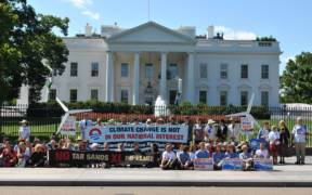 Protest against Keystone XL Pipeline in August 2011. (Photo: chesapeakeclimate)