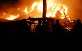 1280px Barn fire 8098029779