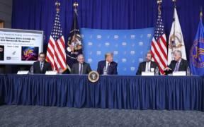 Trump and Azar visiting NIH for Coronavirus e1589587558956
