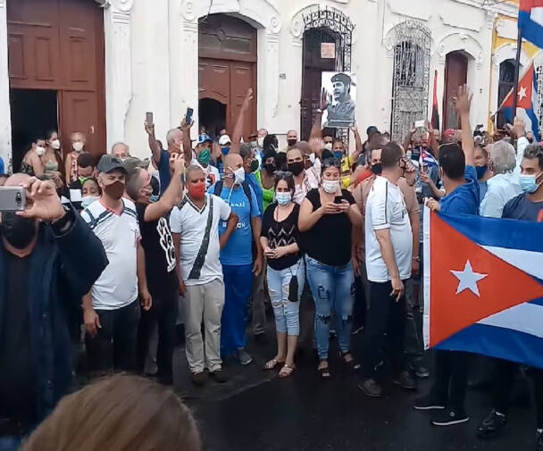Pro Cuban government protesters in Cienfuegos